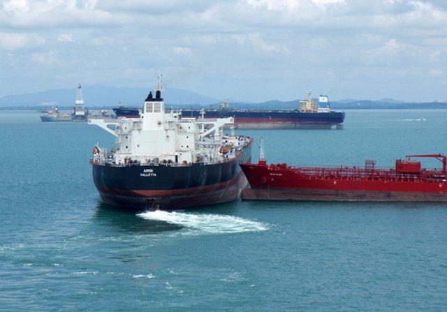 Два танкера