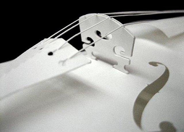 Скрипка из бумаги
