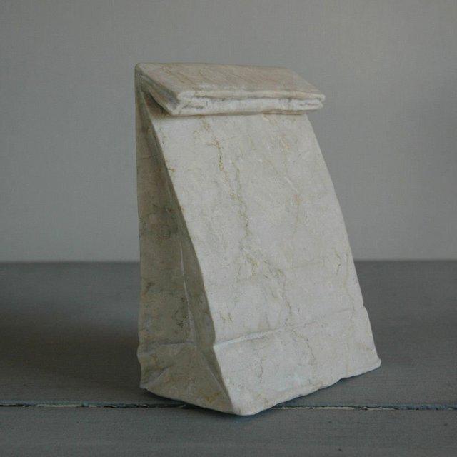 Скульптурки из камня