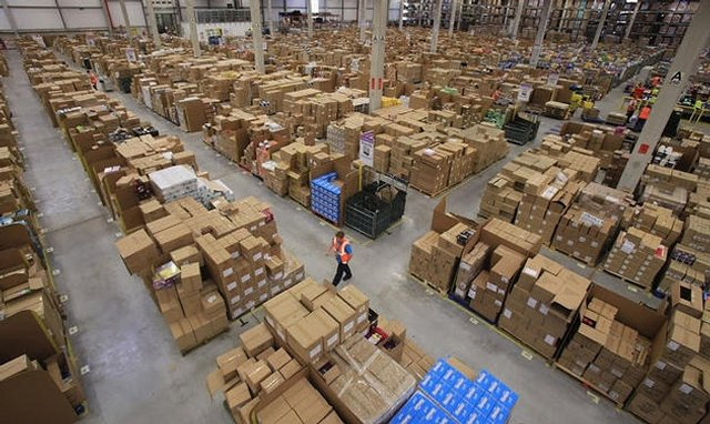 AMAZON.COM цех упаковки и отправки